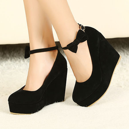 Fashion Round fechado Toe Super High Wedges Black Suede tornozelo Strap Pumps