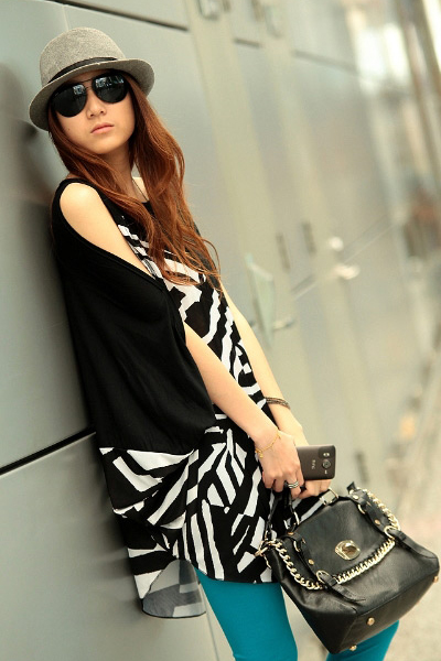 New Style O Neck Half Sleeve Striped Black Cotton T-shirt