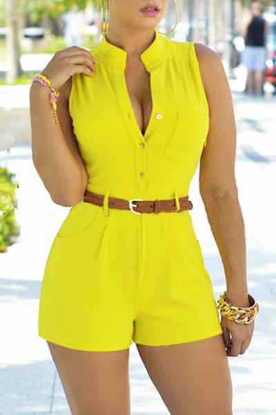 Модная круглая шея без рукавов Дизайн кнопки Желтый полиэстер Цельные комбинезоны (с поясом)