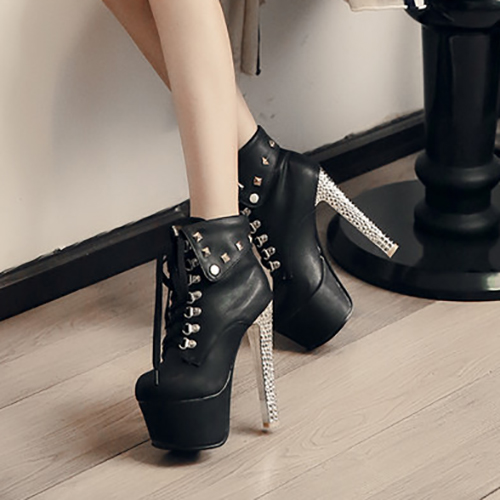 Trendy Round Toe Rivet Decorativo Chunky Super High Heel Preto PU Short Martin Botas
