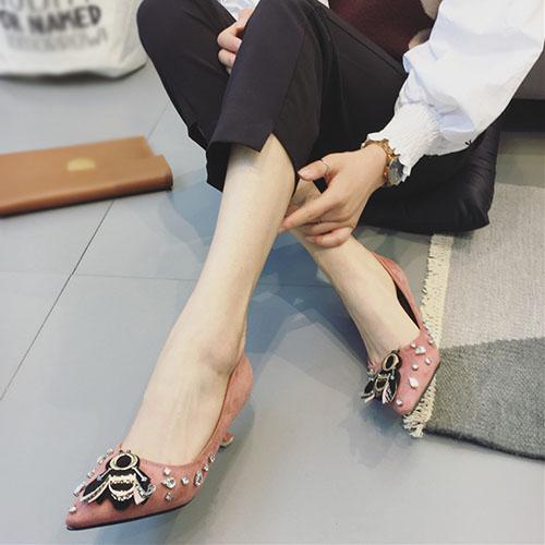 Camurça dedo do pé fechado dedo do pé stiletto salto médio bombas de moda básica