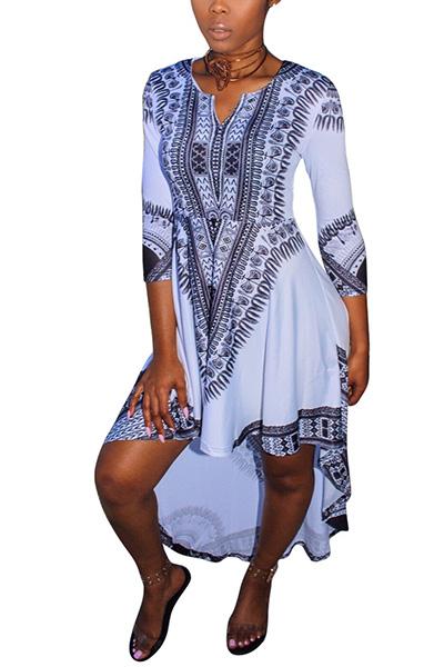 Trendy cuello en V mangas de tres cuartos impreso asimétrico de leche blanca fibra vestido de longitud de tobillo