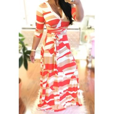 Elegante cuello en V impreso blanco sano vestido de longitud de tobillo de la tela (con cinturón)