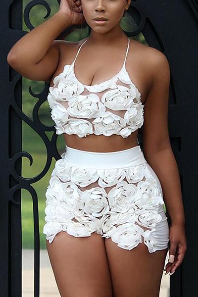 Sexy U-shaped Neck Sleeveless Roses Decorate White Lace Two-piece Shorts Set