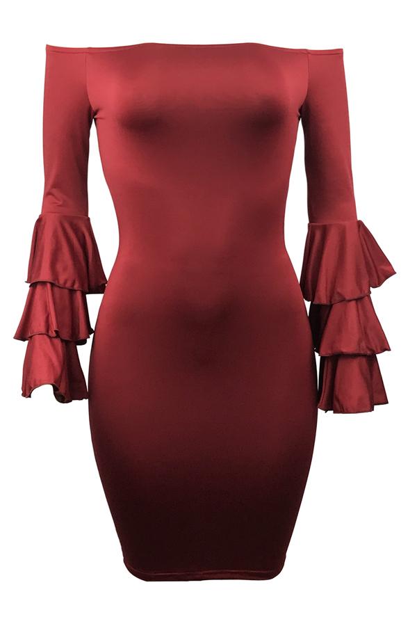 Elegante Dew hombro mangas largas Falbala diseño de vino rojo de poliéster vaina rodilla vestido de longitud