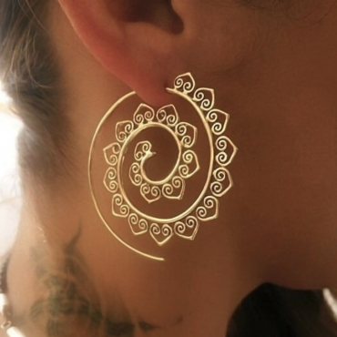 Vintage Hollow-out Gold Metal Earring