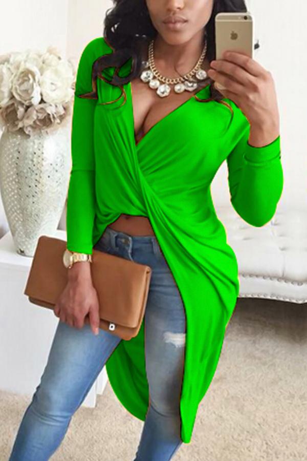 Camisas De Mezcla Verdes Asimétricas Del Cuello En V Atractivo