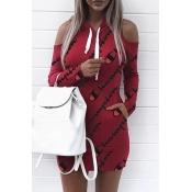Collar Con Capucha Euramerican Letras De Hombro Frío Impreso Mini Vestido De Poliéster Rojo (impresión Sin Posicionamiento)