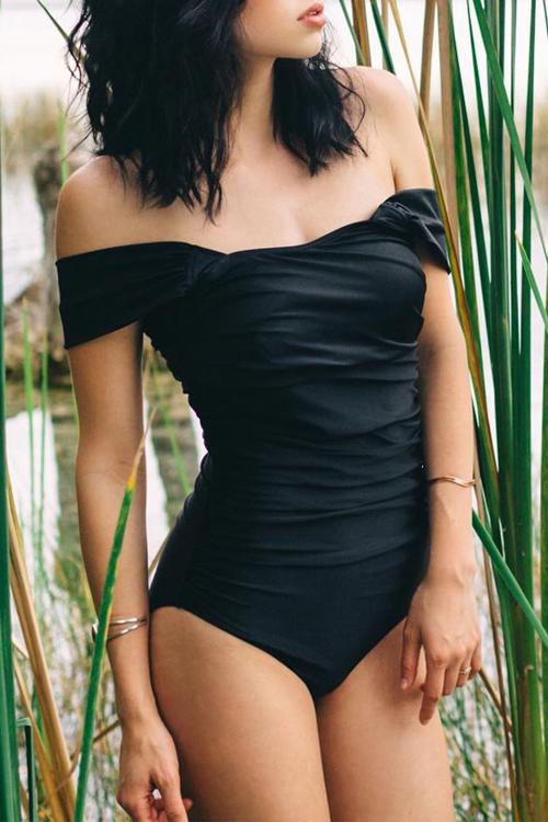 Adorável Sexy Bateau Neck Fold Design Black Spandex Swimwears De Uma Peça