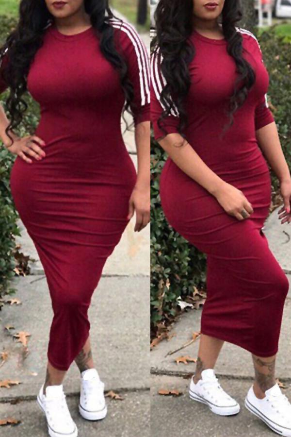 Adorável Sexy Em Torno Do Pescoço Listrado Vinho Tinto Poliéster Bainha Meados Bezerro Vestido