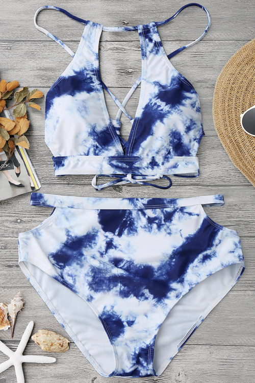 Reizende Reizvolle Schnürsenkel-Aushöhlung Wolke Druckte Blaues Polyester + Spandex Zweiteilige Swimwears