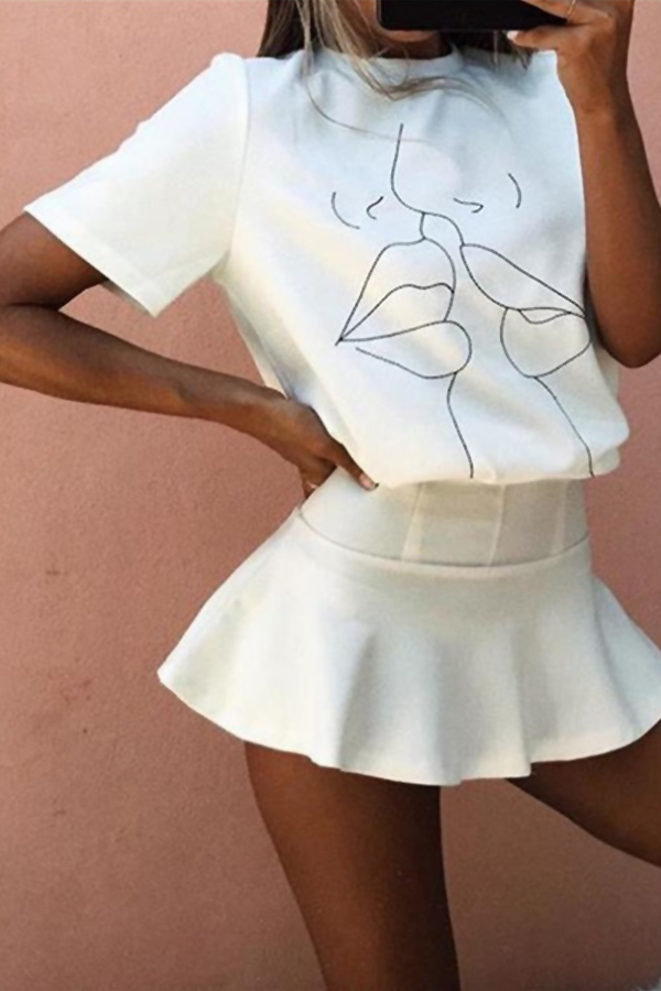 Moda Linda Em Volta Do Pescoço Mangas Curtas Caráter Impresso Algodão Branco T-shirt