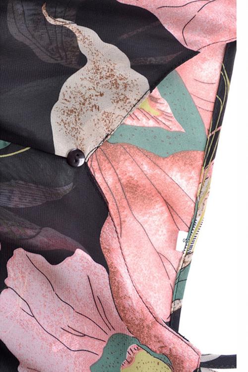 Reizendes Beiläufiges Dew Schulter Volounce Blumen Gedrucktes Schwarzes Chiffon- Minikleid