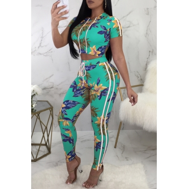 Lovely Casual Hooded Collar Floral Printed Light Green Polyester Two-Piece Pants Set