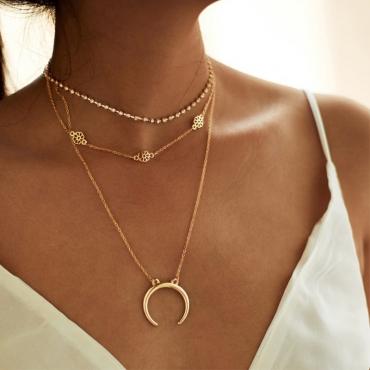 Lovely Vintage Floral Gold Metal Necklaces