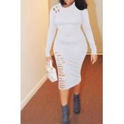Reizendes Beiläufiges Gebrochenes Löcher Weißes Twilled Satin Knielangen Kleid
