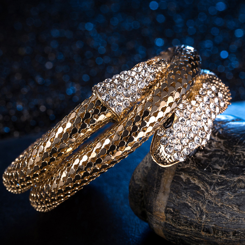 Lovely Chic Snake Shape Gold Alloy Bracelet