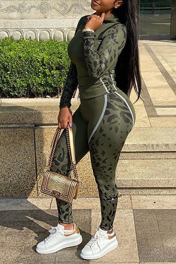Lovely Sportswear Patchwork Army Green Two-piece Pants Set фото