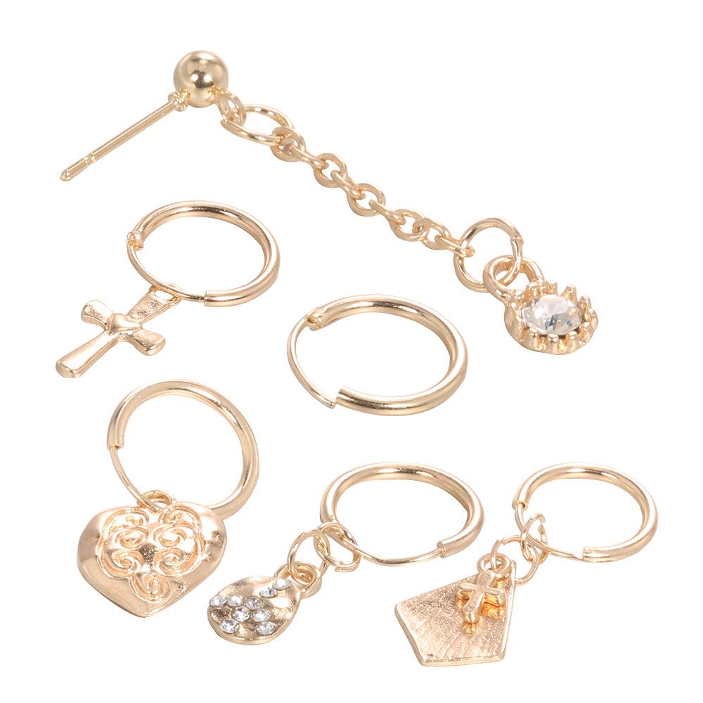 Lovely Vintage Gold Metal Earring