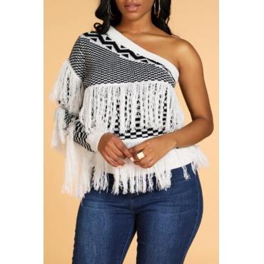 Lovely Sweet Tassel Design White Sweater