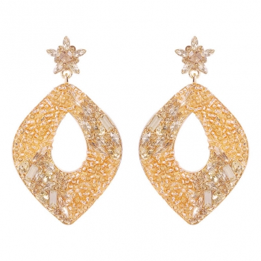 Lovely Vintage Crystal Champagne Earring