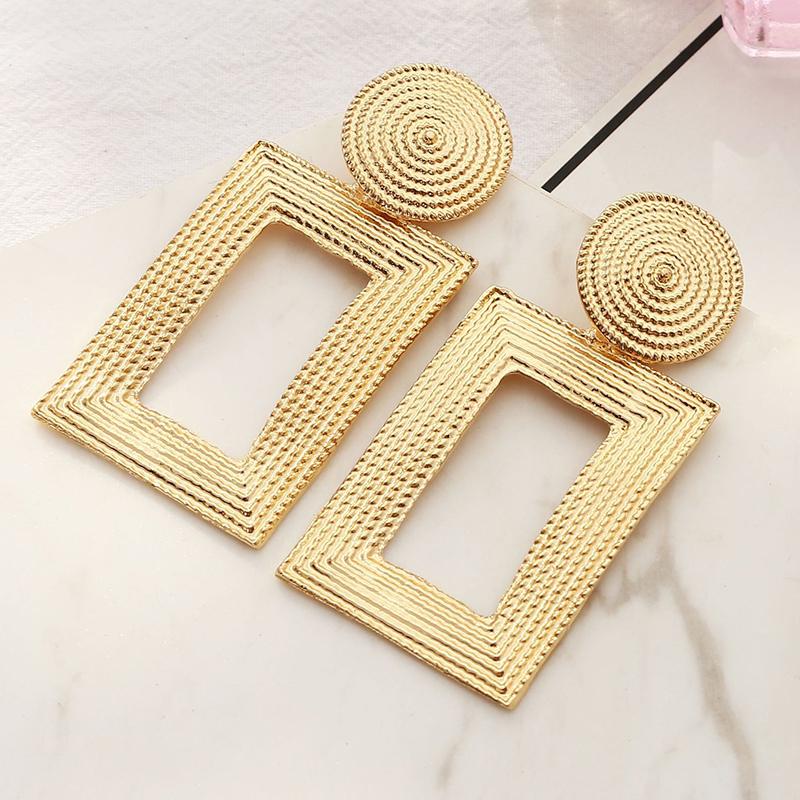 Lovely Trendy Gold Earring