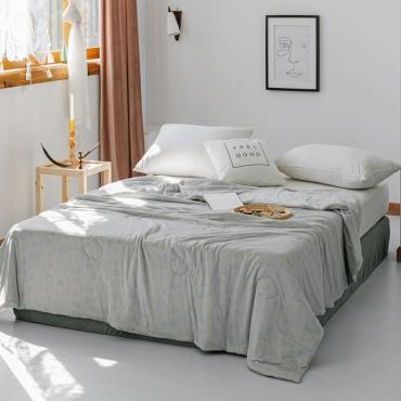 Lovely Cosy Print Grey Blanket