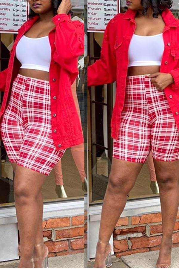 Lovely Casual Grid Red Shorts