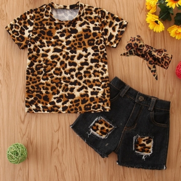 lovely Casual Leopard Print Patchwork Girl Two-piece Shorts Set