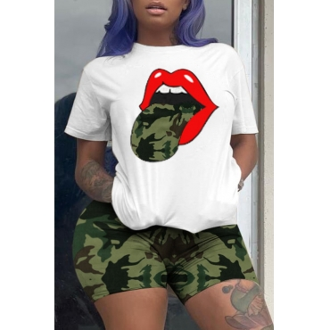 Lovely Street Camo Print Plus Size Two-piece Shorts Set