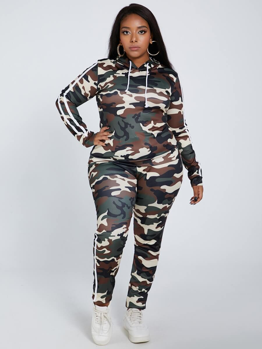 Lovely Sportswear Hooded Collar Camo Print Plus Si