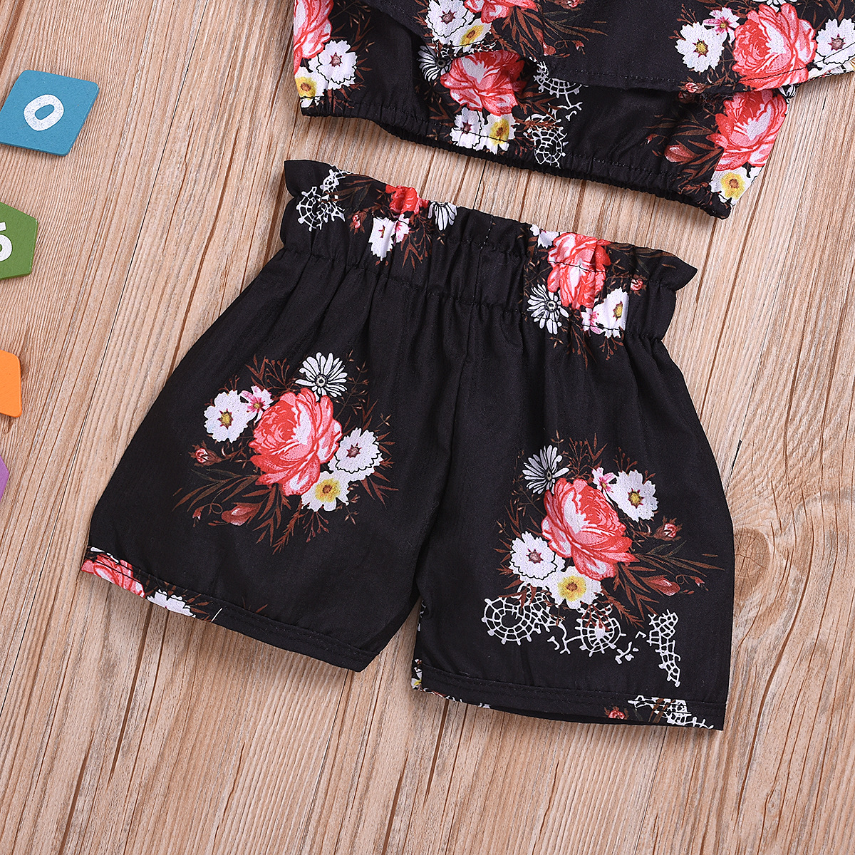 Lovely Girl Sweet Floral Print Flounce Design Black Two Piece Shorts Set