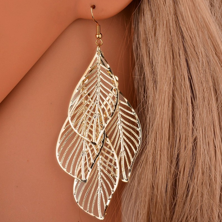 LW Leaf Hollow-out Earring
