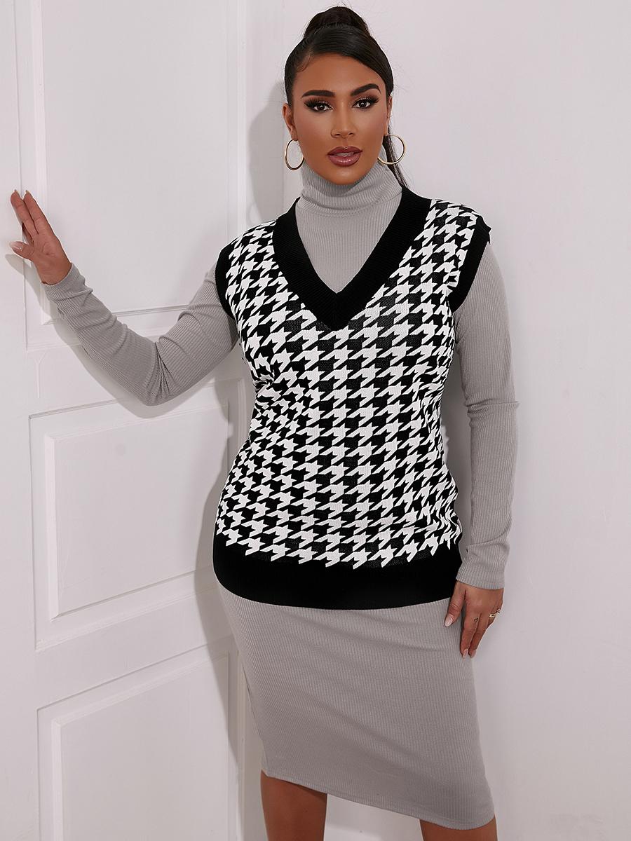 LW V Neck Hound Stooth Print Sweater