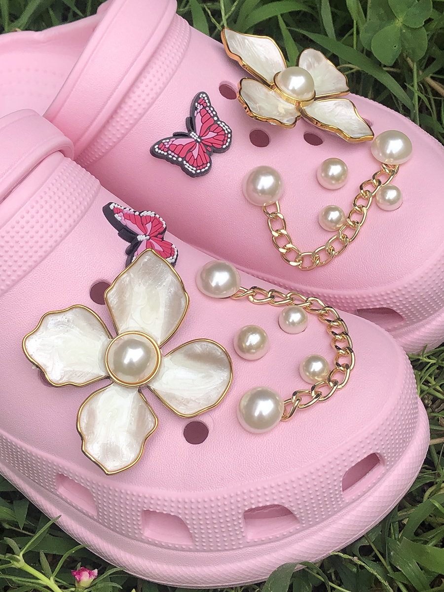 LW Pearl Butterfly Chain Decor Slippers (DIY)